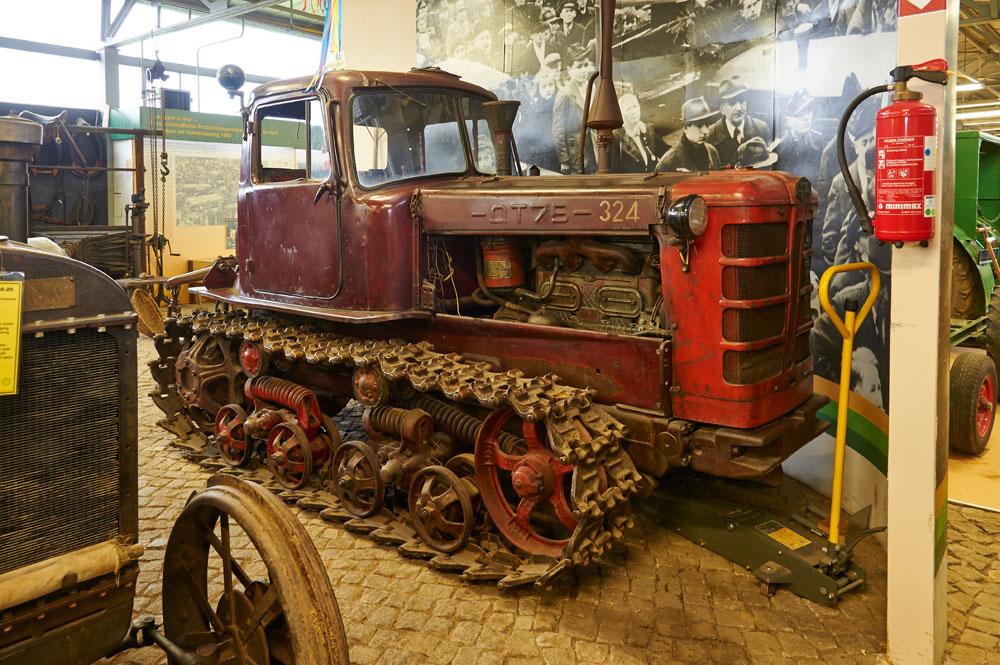 raupenschlepper-kreis-agrarmuseum